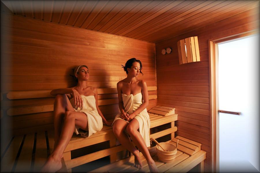 kak-menya-priglasili-v-saunu