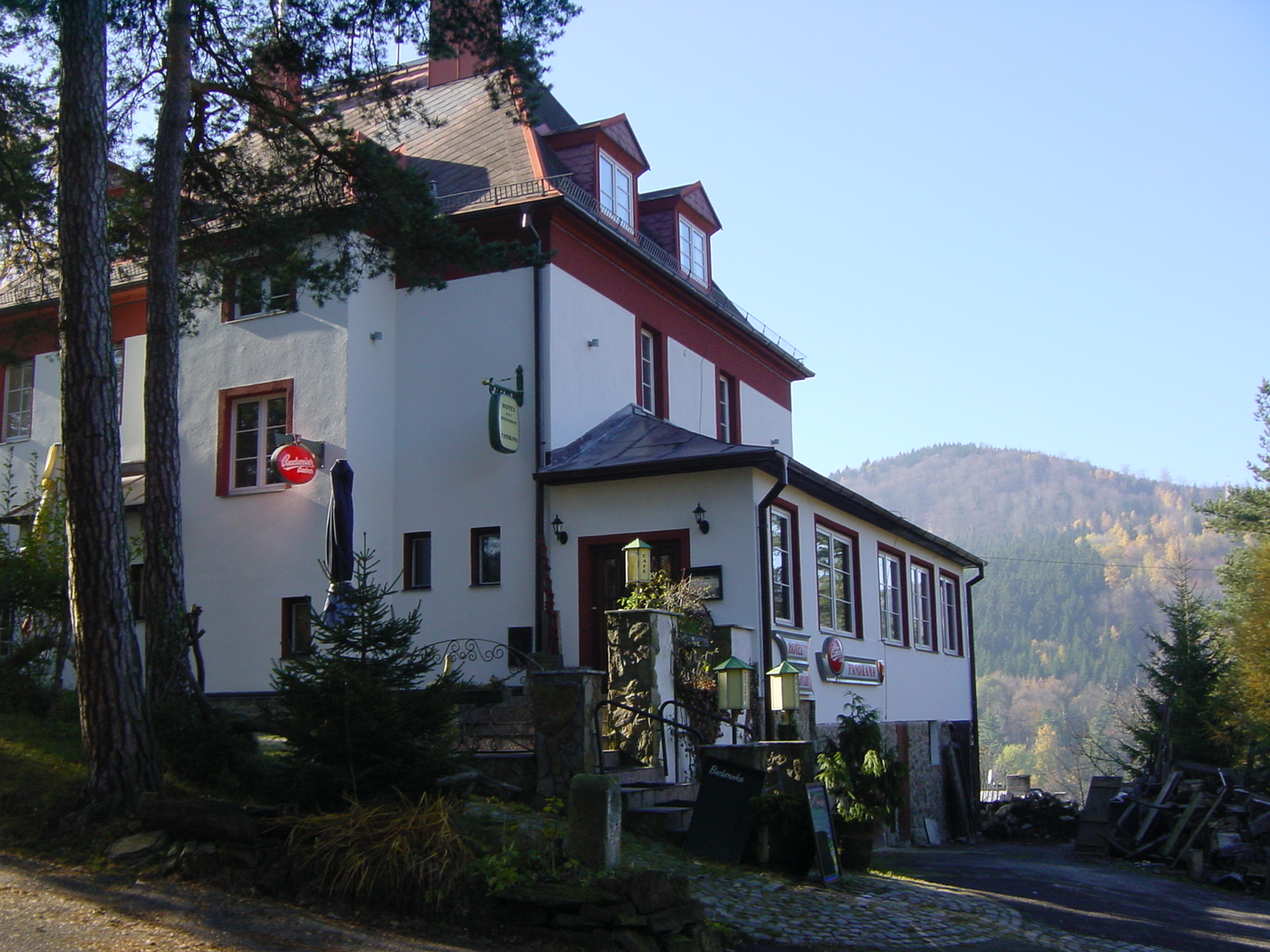 http://www.hotelpension.cz/Previo/xmlData/Images/651/img/photos/782.jpg